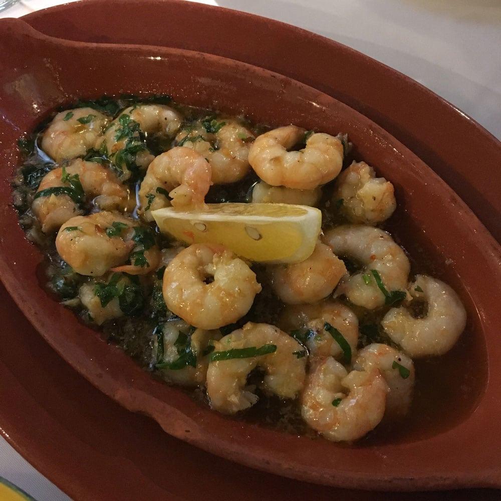 Espaço Lisboa prawns with garlic