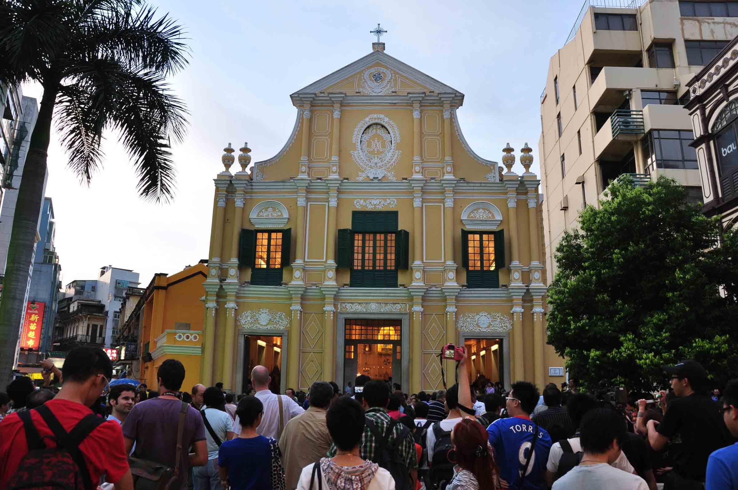 Macau's Our Lady of Fatima Procession St Dominics Church