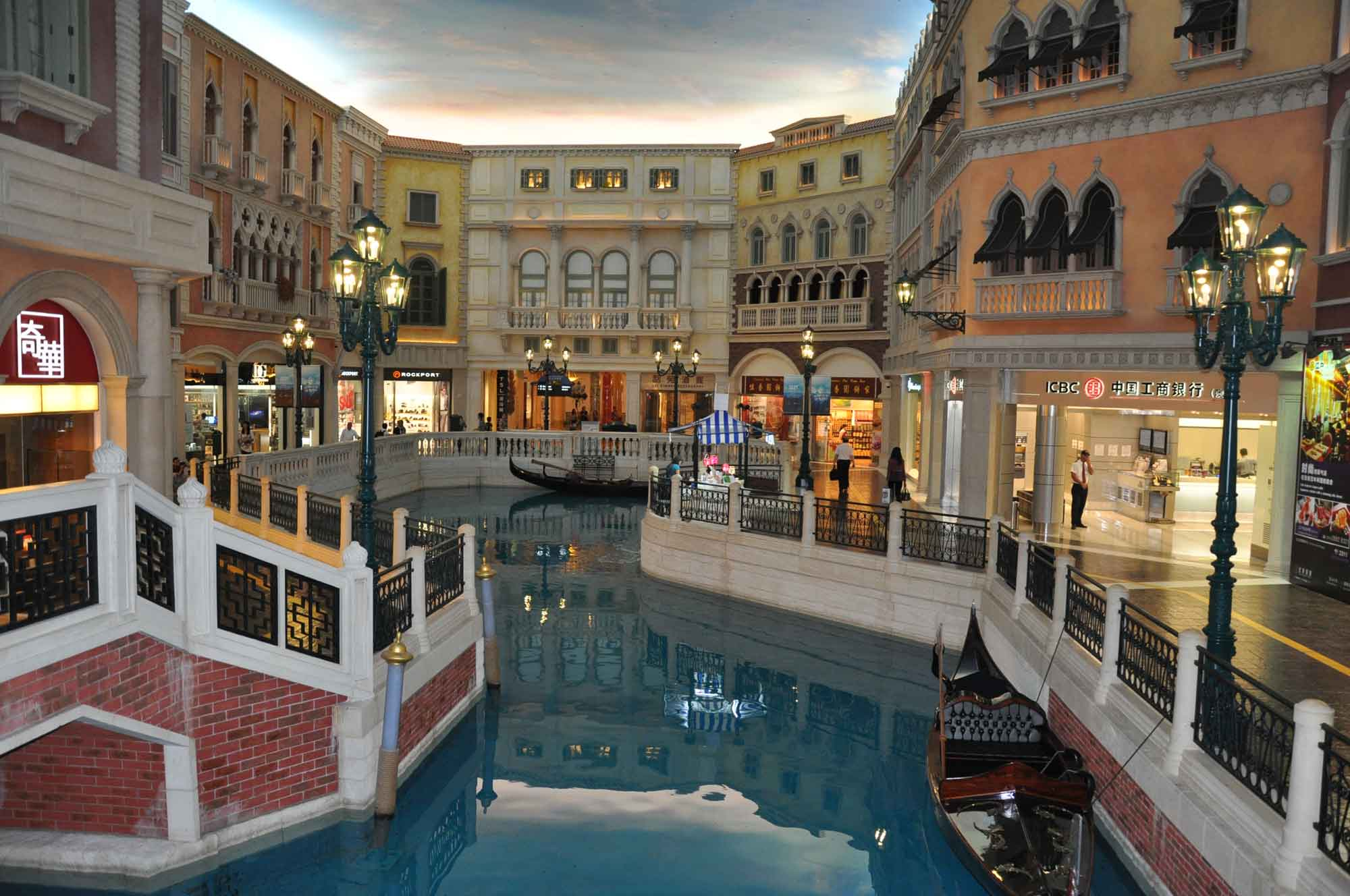 Venetian Macao shopping
