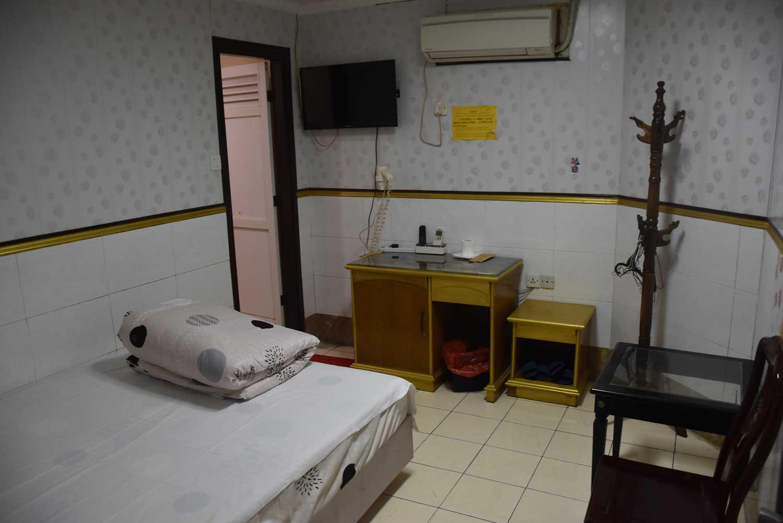 Villa Universal room
