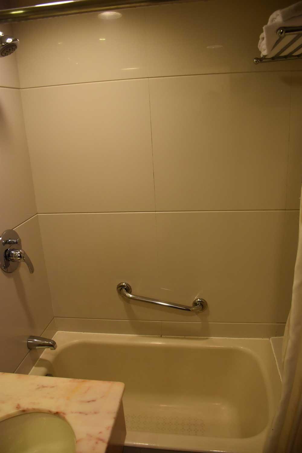 Macau Masters bathtub