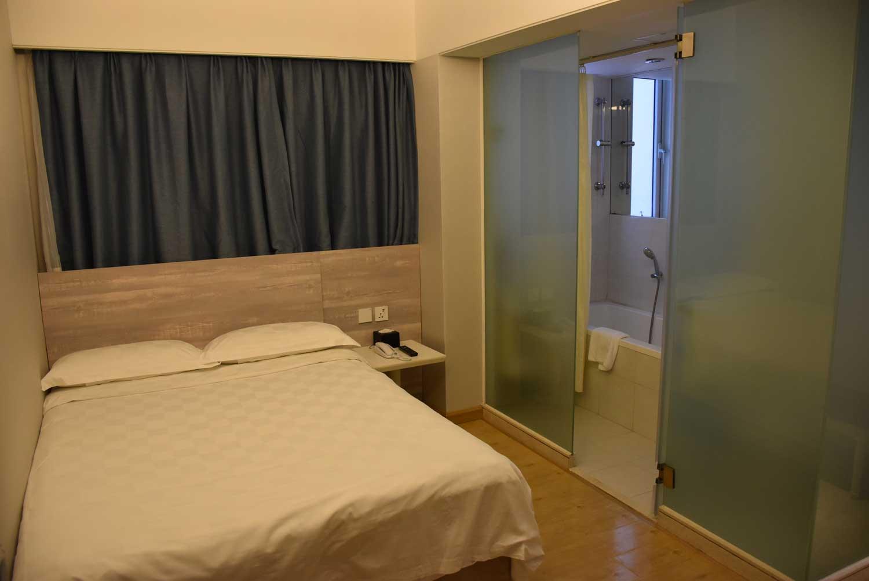 Ole Tai Sam Un Hotel room