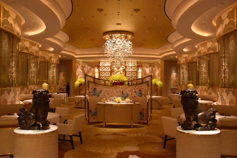 Macau Michelin Restaurants: Sichuan Moon seating