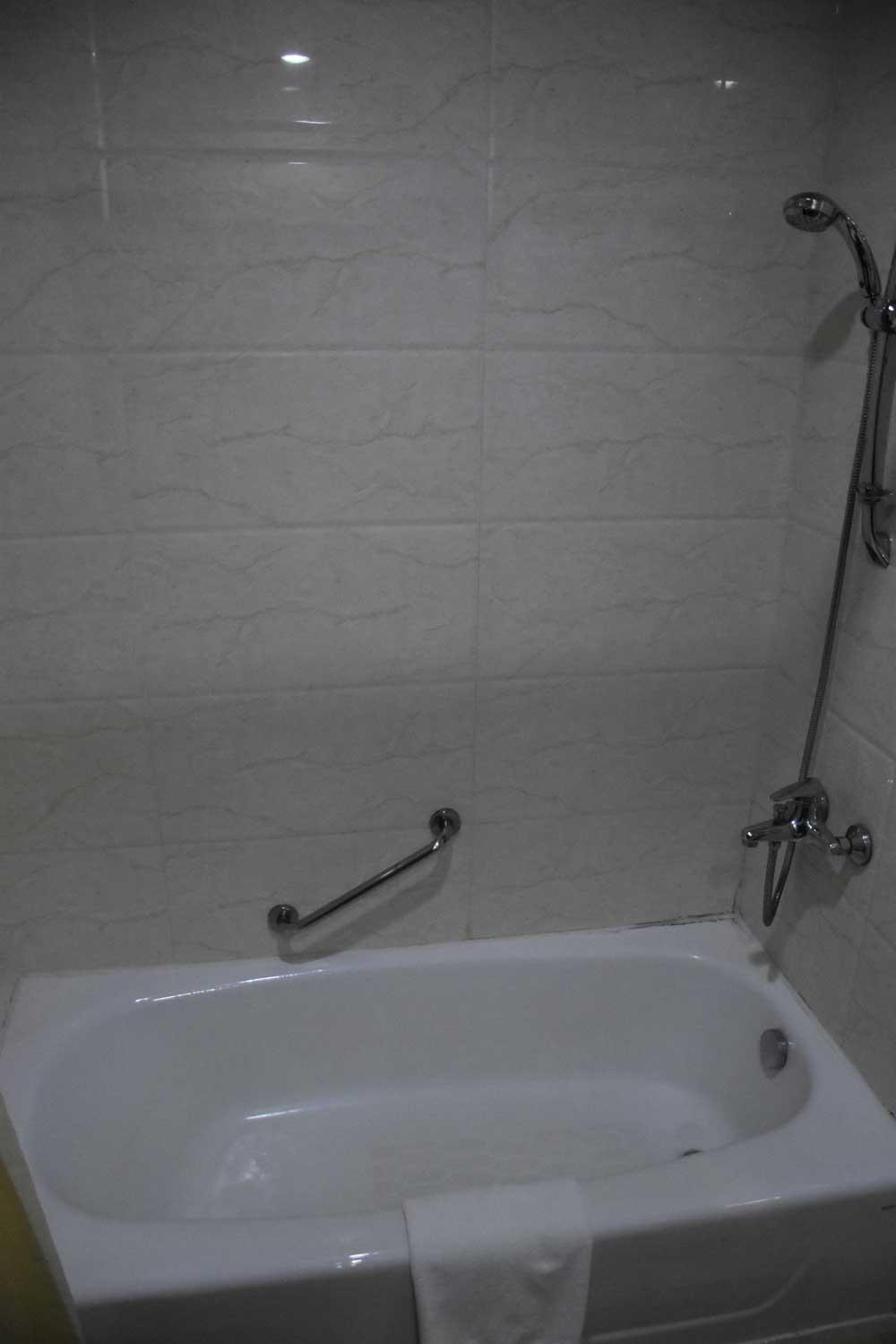 East Asia Hotel bathtub