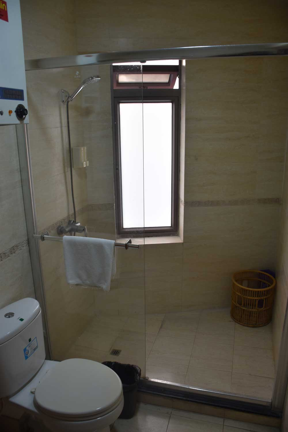 Towns Well Macau shower and toilet