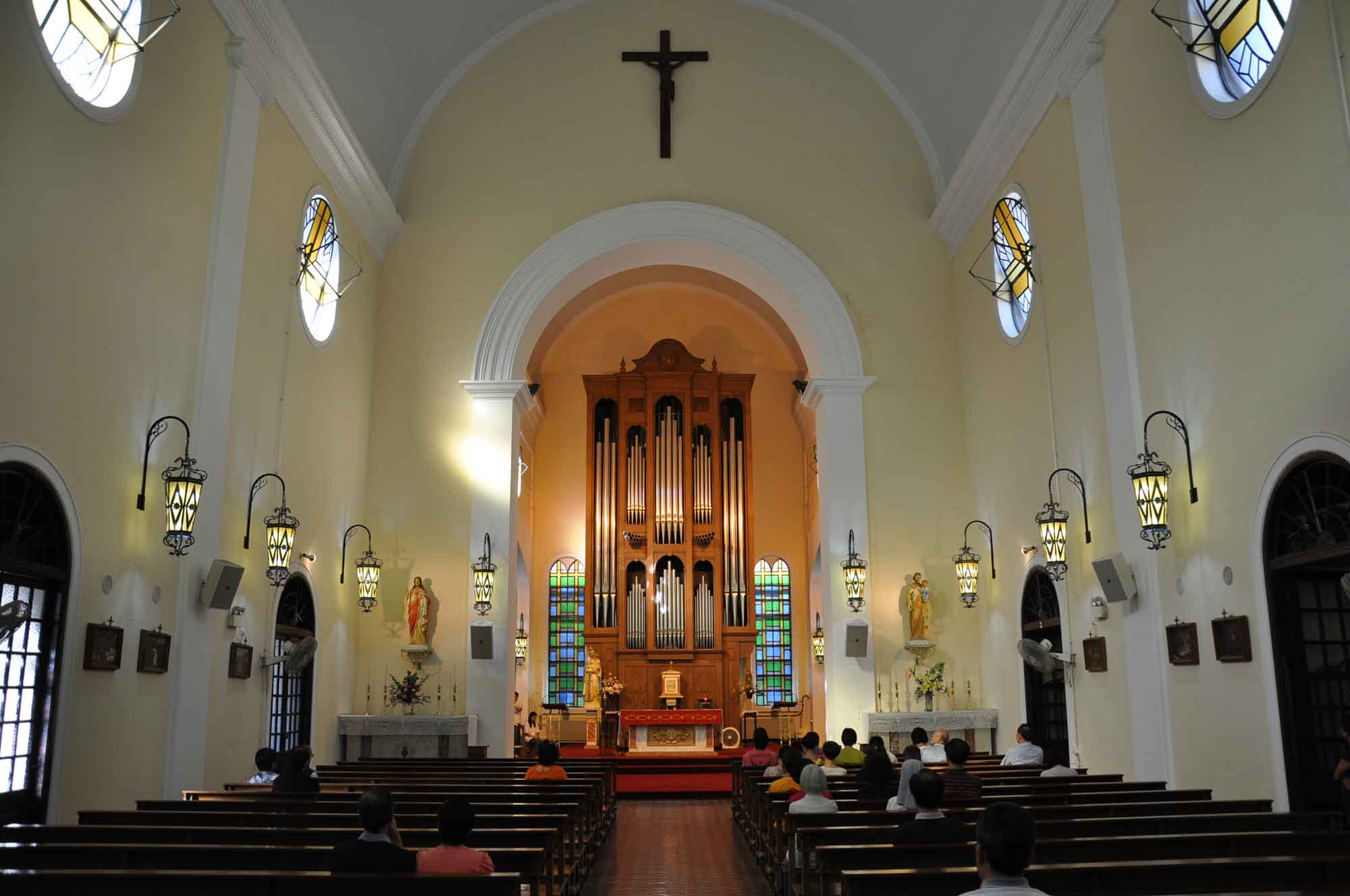St. Lazarus Church interior