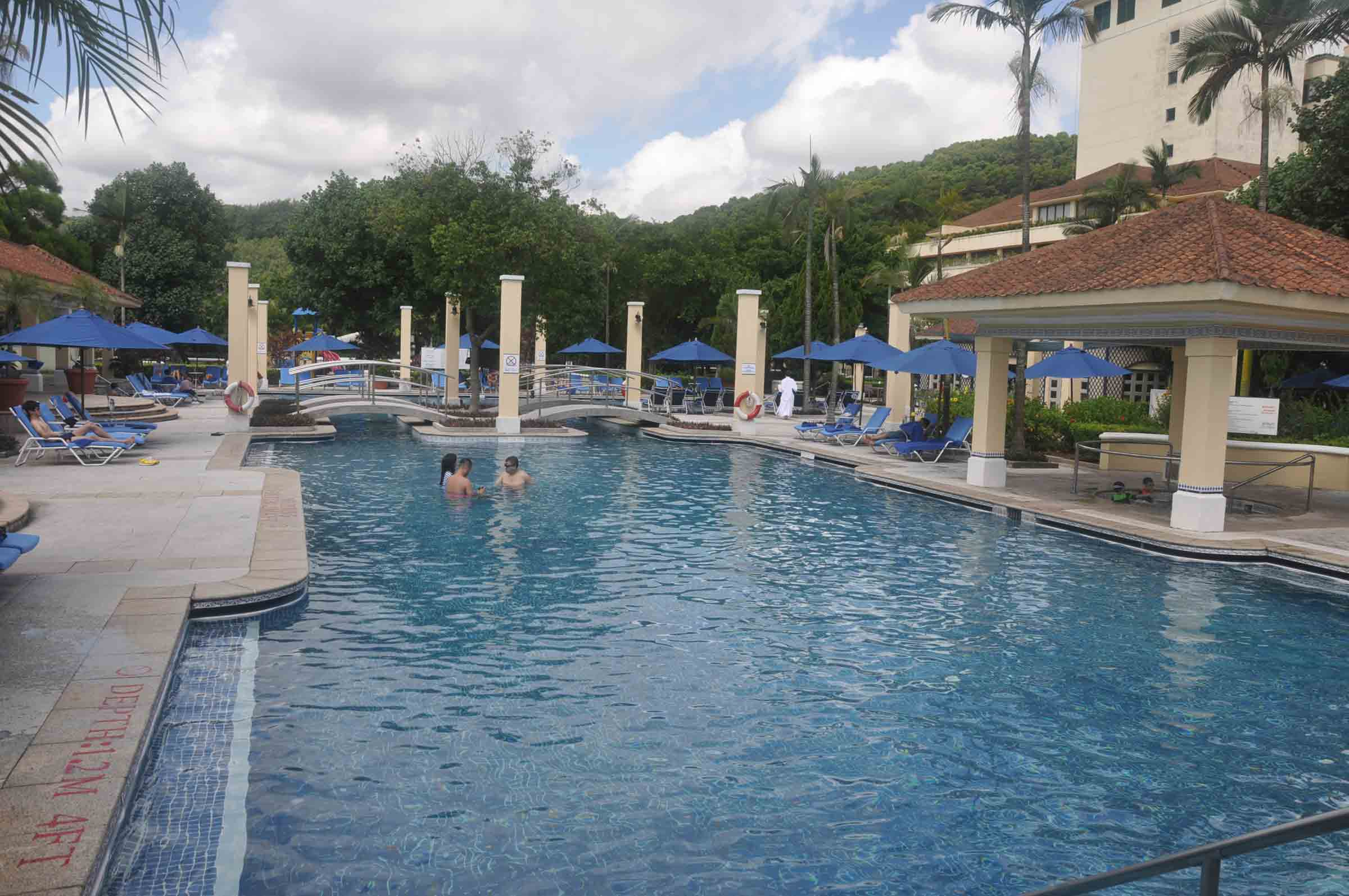 Grand Coloane Resort outdoor swimming pool
