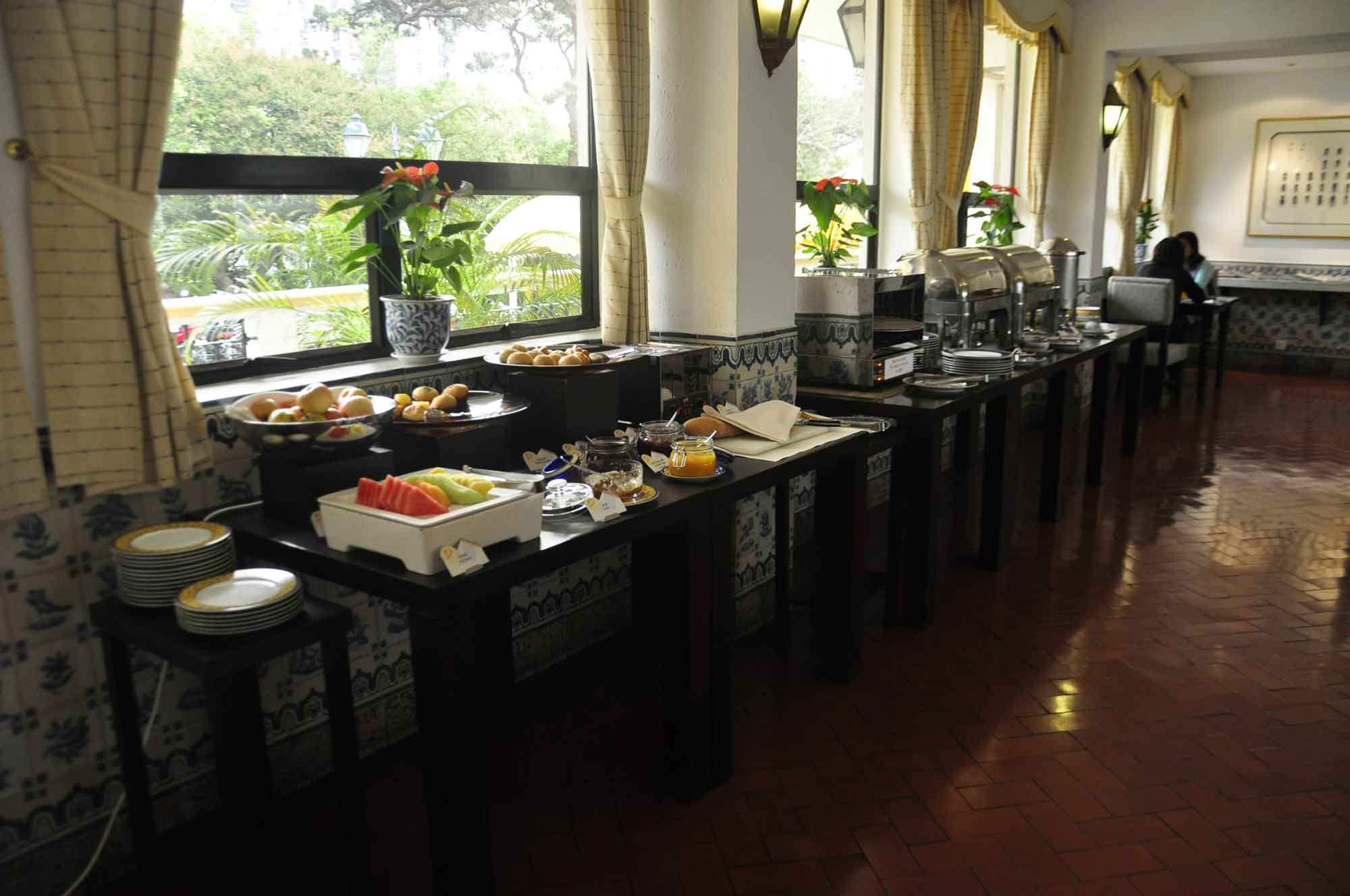 Pousada de Mong Ha buffet breakfast