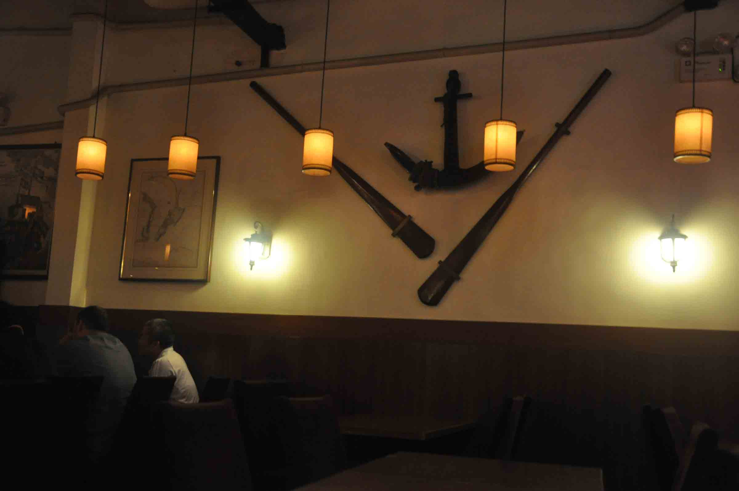 Henri's Galley Macau oars and anchor