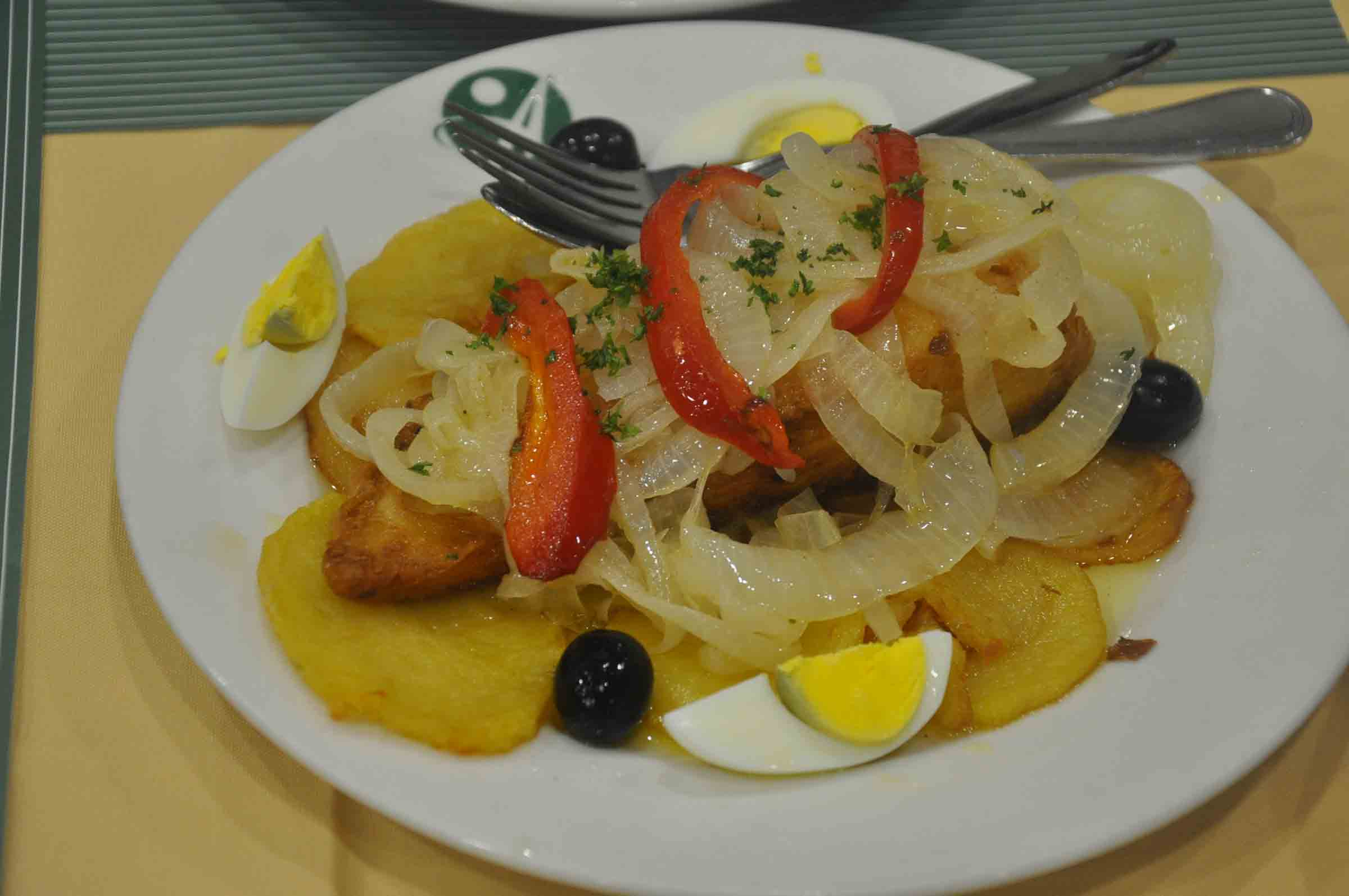 Apo Mac Restaurant grilled bacalhau