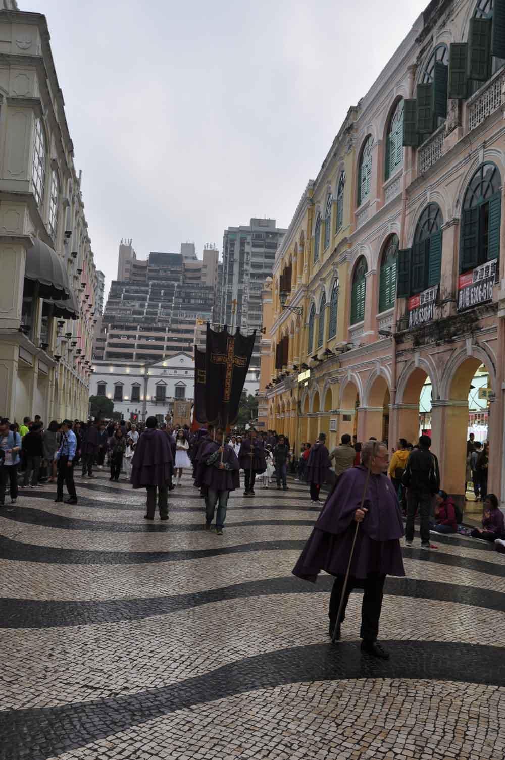 Passion of Our Lord Procession walks through Senado Square