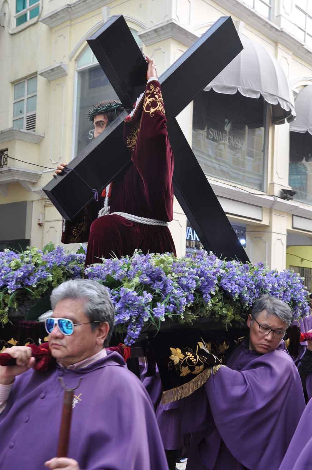 Passion of Our Lord Procession Jesus statue in Senado Square