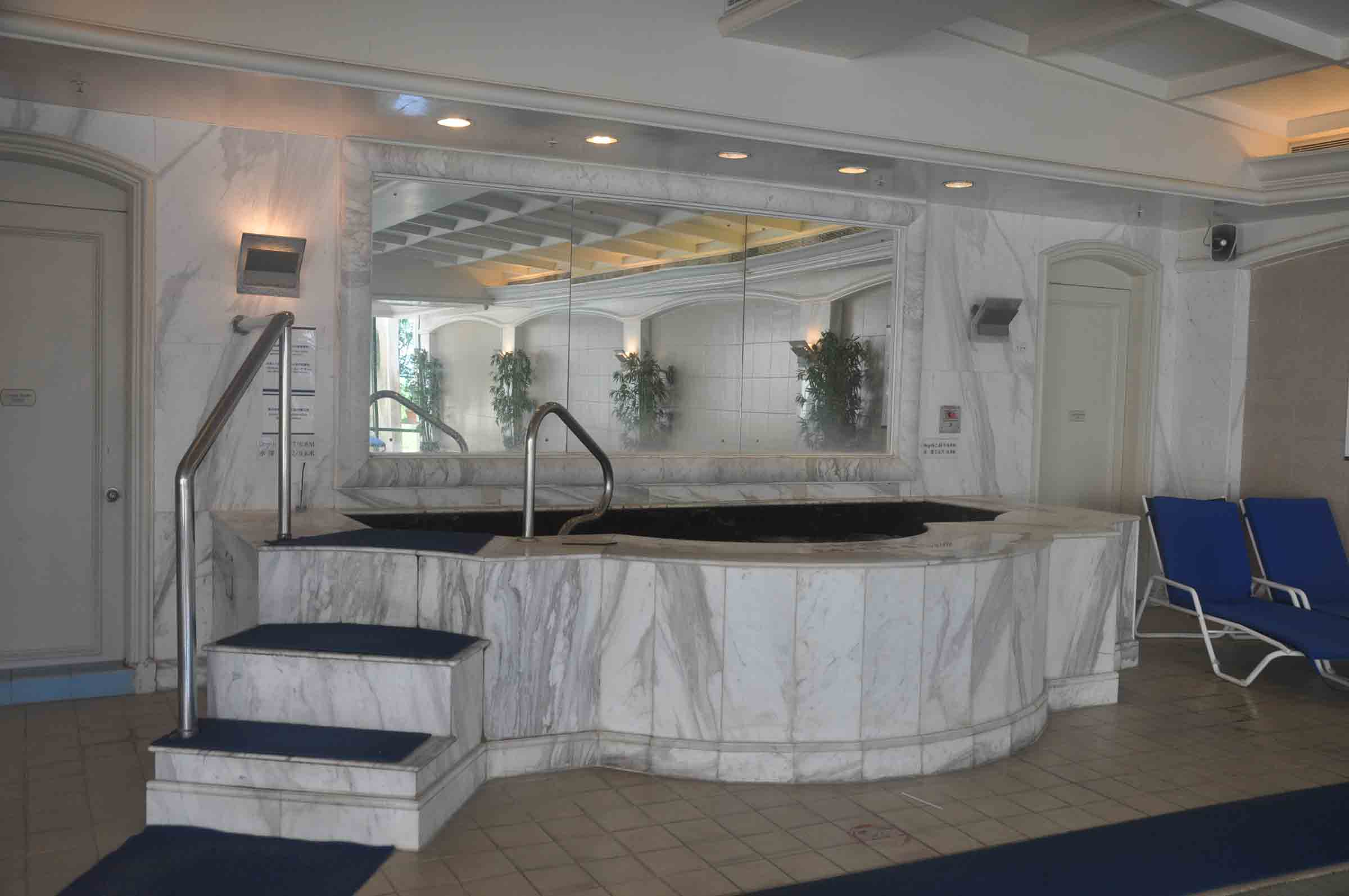 Grand Coloane Resort indoor hot tub