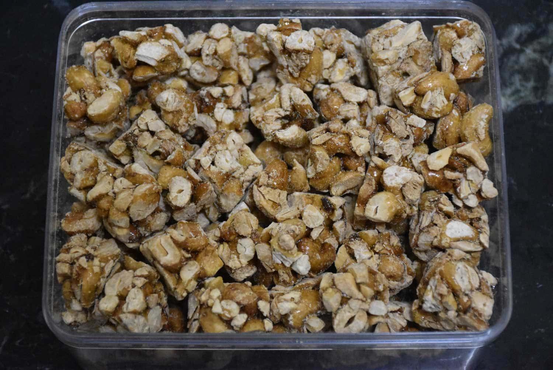 Macau snacks: crunchy cashew candy