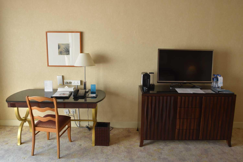 Grand Coloane Resort Grand Beach King TV and desk
